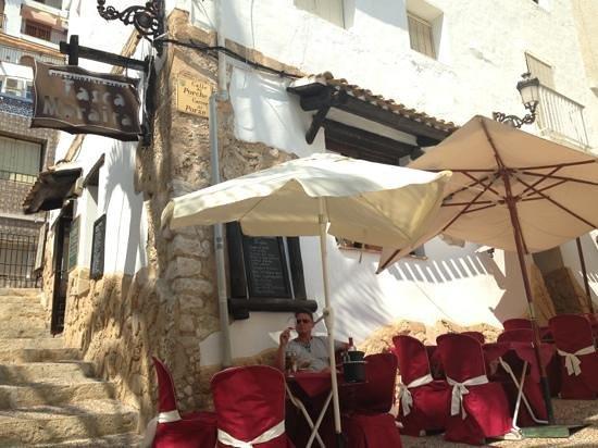 Tasca Moraira: last drop of Rosado after lovely Menu del dia