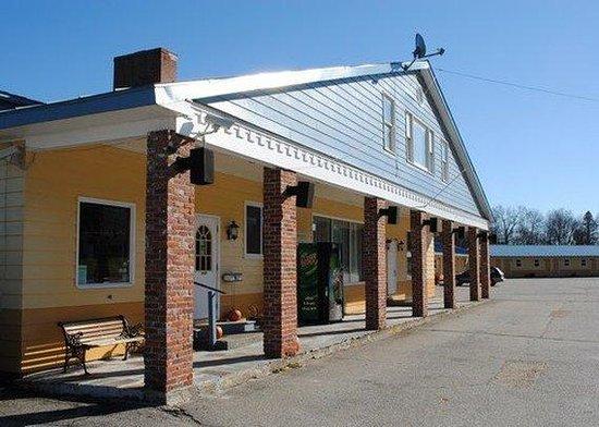 Rodeway Inn Bellows Falls: Exterior