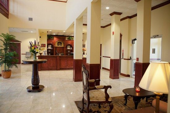 Executive Inn - Park Avenue Hotel: Hotel Lobby