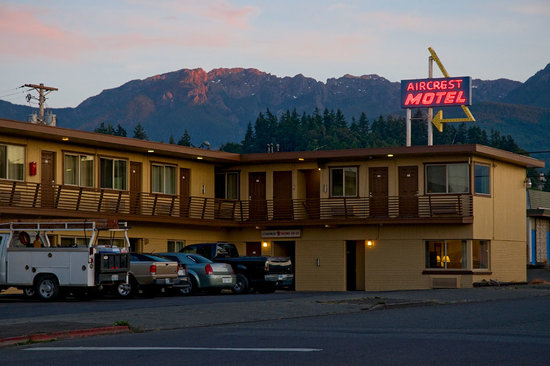 Aircrest Motel: Exterior