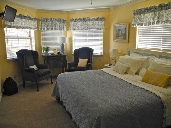 Kern River Inn Bed and Breakfast : Big Blue Room