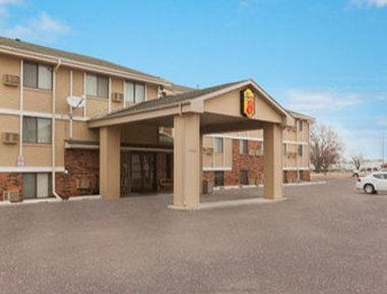Welcome to the Super 8 Sioux Falls, SD