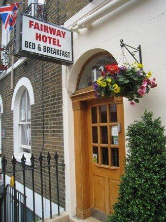 Fairway Hotel: Exterior