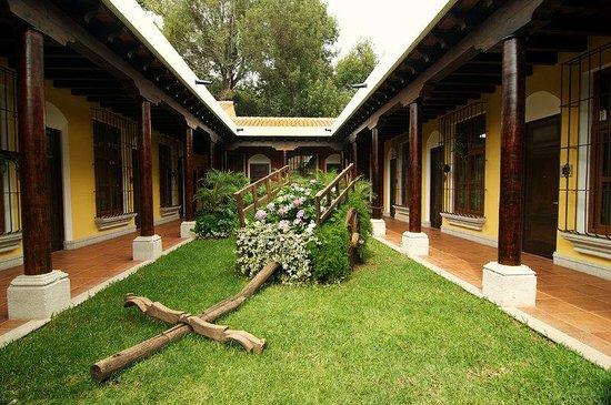 Camino Real Antigua : Patio Carreta