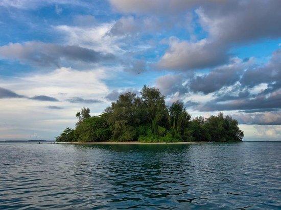 Lissenung Island Resort : LISSENUNG Island