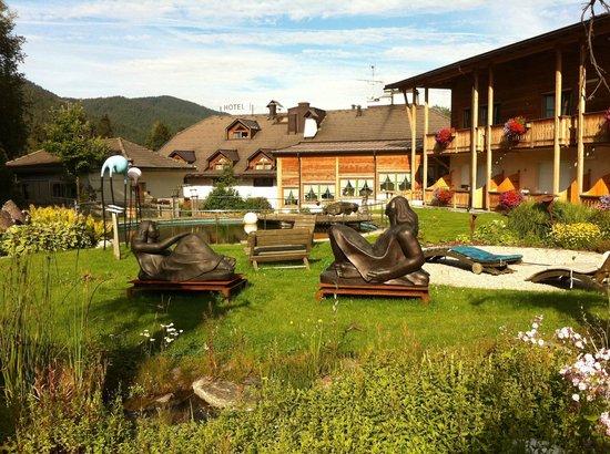 Hotel Gratschwirt: giardino