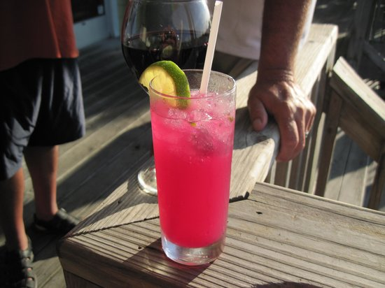 Rusty's Surf & Turf : Excellent drinks also
