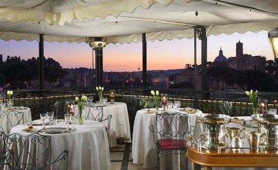 Lovely Hotel Forum Roma: Ristorante Roof Garden