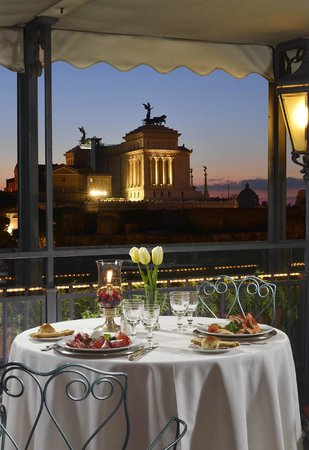 Hotel Forum Roma: Vista dal ristorante