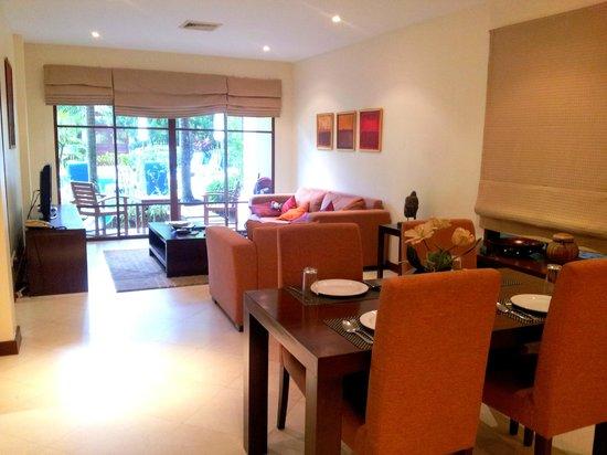 Baan Puri: Living / Dining