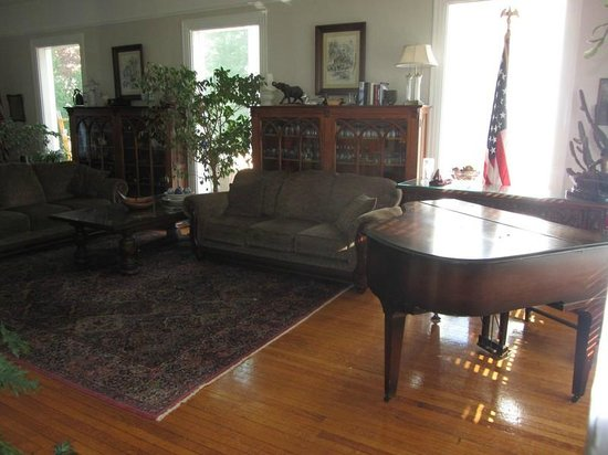 Kane Manor Country Inn : Its living room