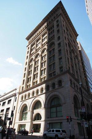 Ames Boston Hotel, Curio Collection by Hilton : Ames