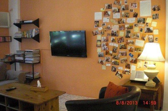 Delise's House: living room