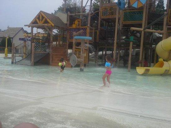 Holiday World & Splashin' Safari : One of the kids water park areas