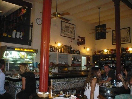 Restaurante La Boveda : salle 1