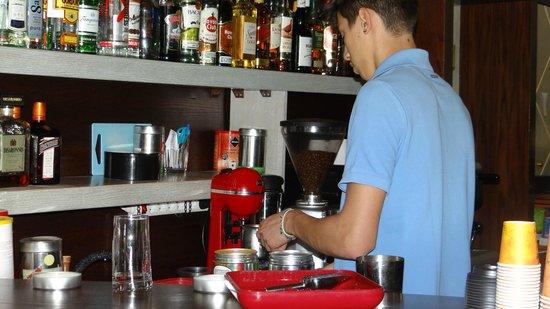 Agna..Di Cafe DiVino: Interior by the bar