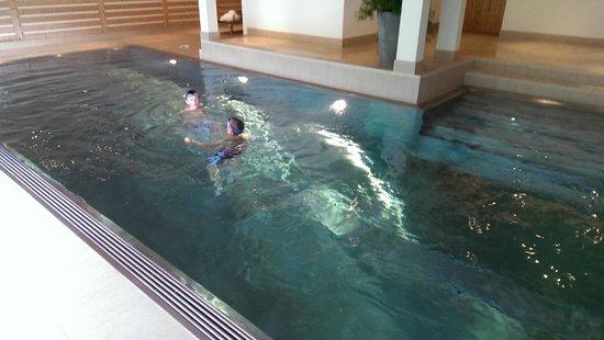 Romantik Hotel Hornberg: La piscine