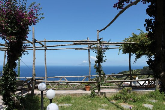 Hotel Il Girasole: the view from the one bedroom