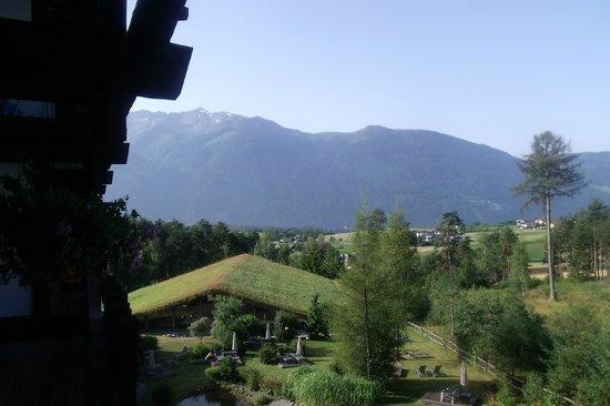 Hotel Kaysers Tirolresort: vue sur le parc