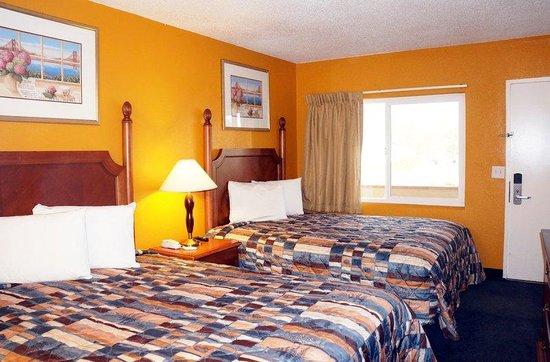 Classic Inn: Beds