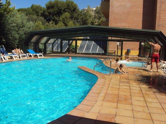 Piscina climatizada picture of best alcazar hotel for Piscina climatizada