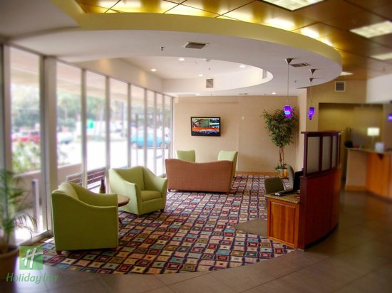 Holiday Inn Gainesville University Center: Sitting area to relax