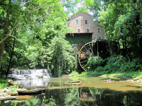 Ambassador Inn & Luxury Suites: Falls Mill near Belevidere