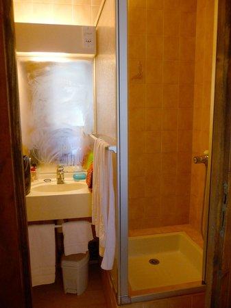 Hotel du Col d'Osquich : Salle de bains