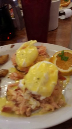 McGill's: Smoked Salmon Eggs Bennie