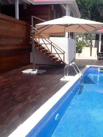 Chambres d'Hôtes Amarelao: La piscine
