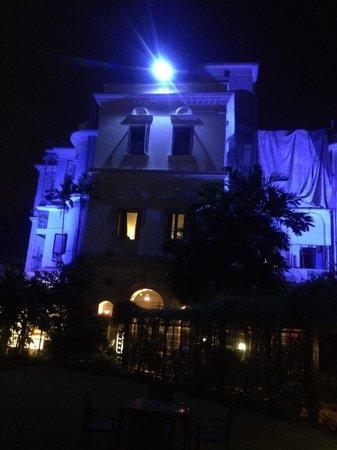 Kenilworth Hotel, Kolkata : View of the heritage wing at night