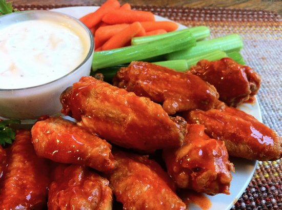 Island Time Bar & Grill: 10 flavors of wings!