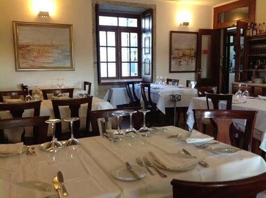 Casarao do Castelo: restaurant interior