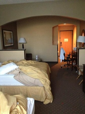 Comfort Suites: big room with 2 queens, fold out sofa bed
