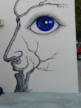 Arty wall of Casa Datscha roadside