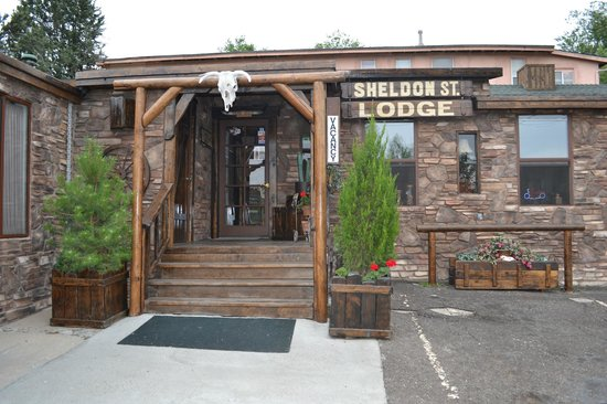 Welcome to the Sheldon St. Lodge!