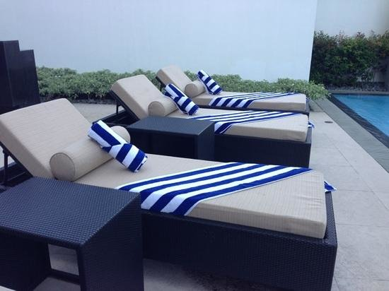 Perfect Seda Abreeza Davao: Neat And Tidy Bath Towels For The Swimming Pool Area