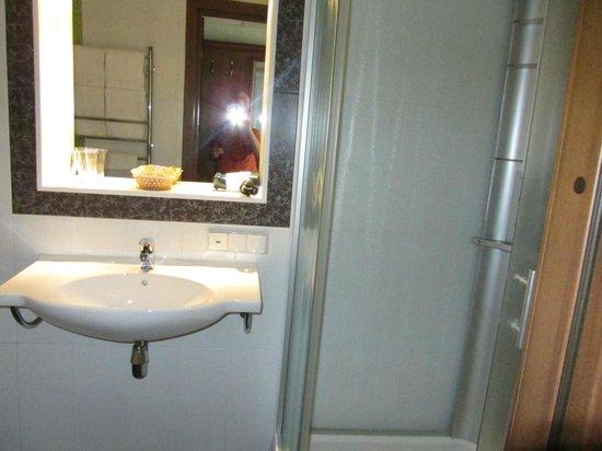 Cumulus Kaisaniemi: Bathroom