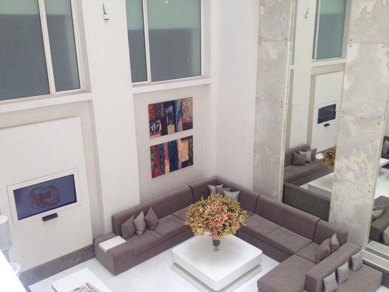 The Ashtan Sarovar Portico: Lobby-View 2