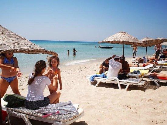 Altinkum Beach: Beach umbrella