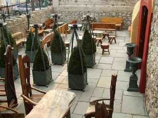 Taaffes Castle Bar : One of the Courtyards at Taaffes