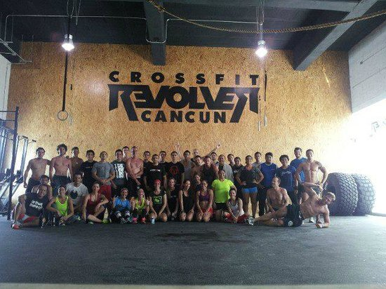 ‪CrossFit Revolver Cancun‬