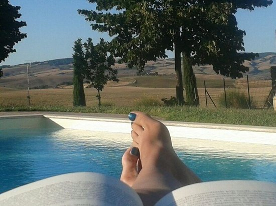 Agriturismo Sant'Ansano: .. Relax in piscina.!