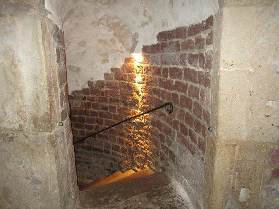 Mittelalterlicher Judenhof: Stair to steep bath