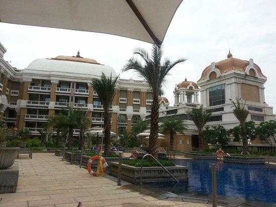 Pool Picture Of Itc Grand Chola Chennai Chennai Madras Tripadvisor