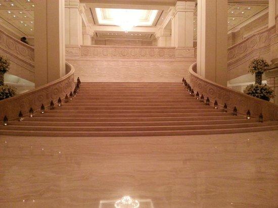 Lobby Entrance Picture Of Itc Grand Chola Chennai Chennai Madras Tripadvisor
