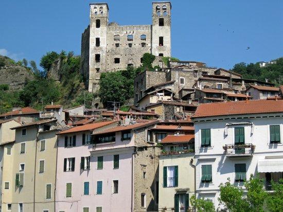 Castello dei Doria: Castle above Dolceacqua