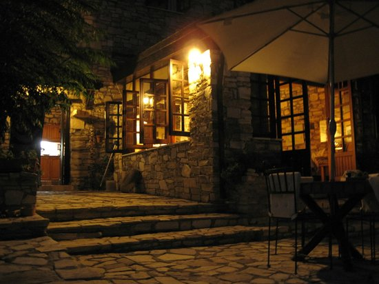 Shema Villa Bed and Breakfast Cyprus: Shema in the evening
