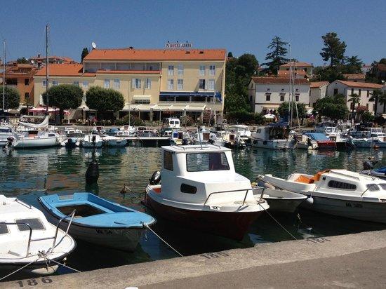 Malinska, Kroatia: nettes Haus, an netter Lage, leider unfreundlich, unsauber!
