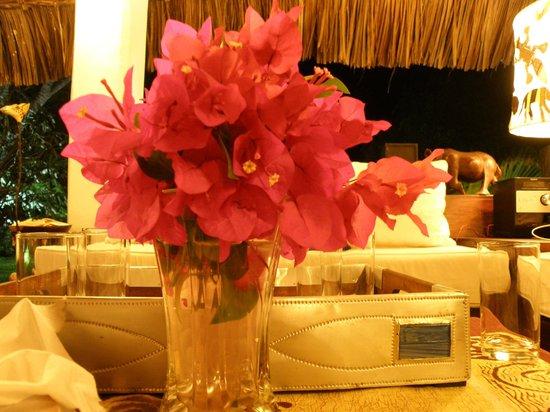 Luna House Malindi: fiori freschi